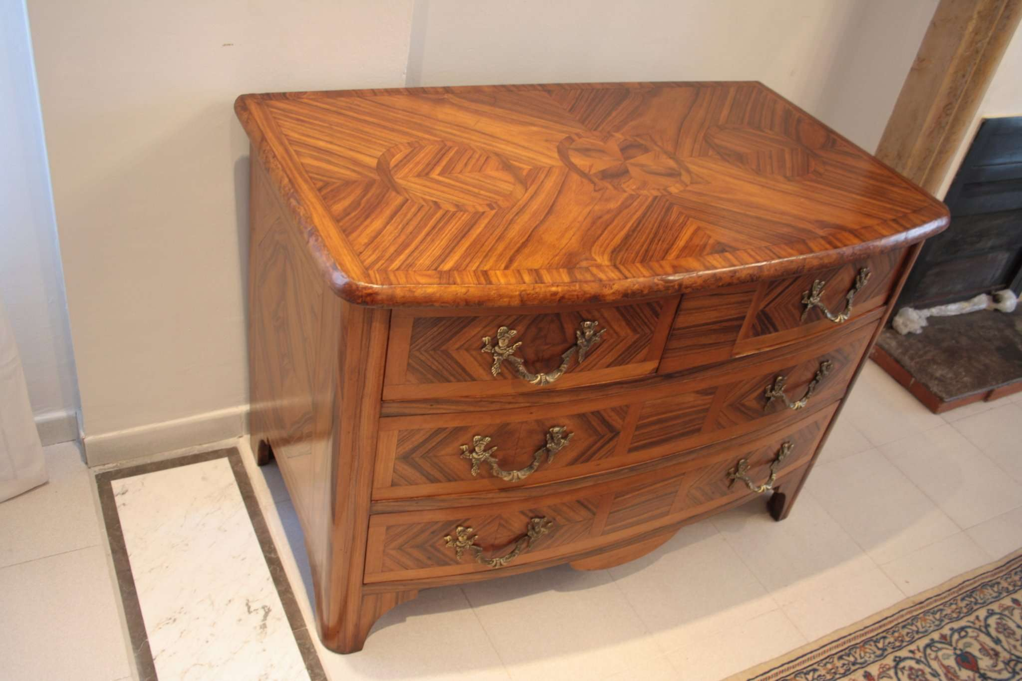 Walnut Louis XVI chest drawers southern Italy