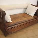 Sofá pecho en madera maciza de nogal, 1870 Toscana