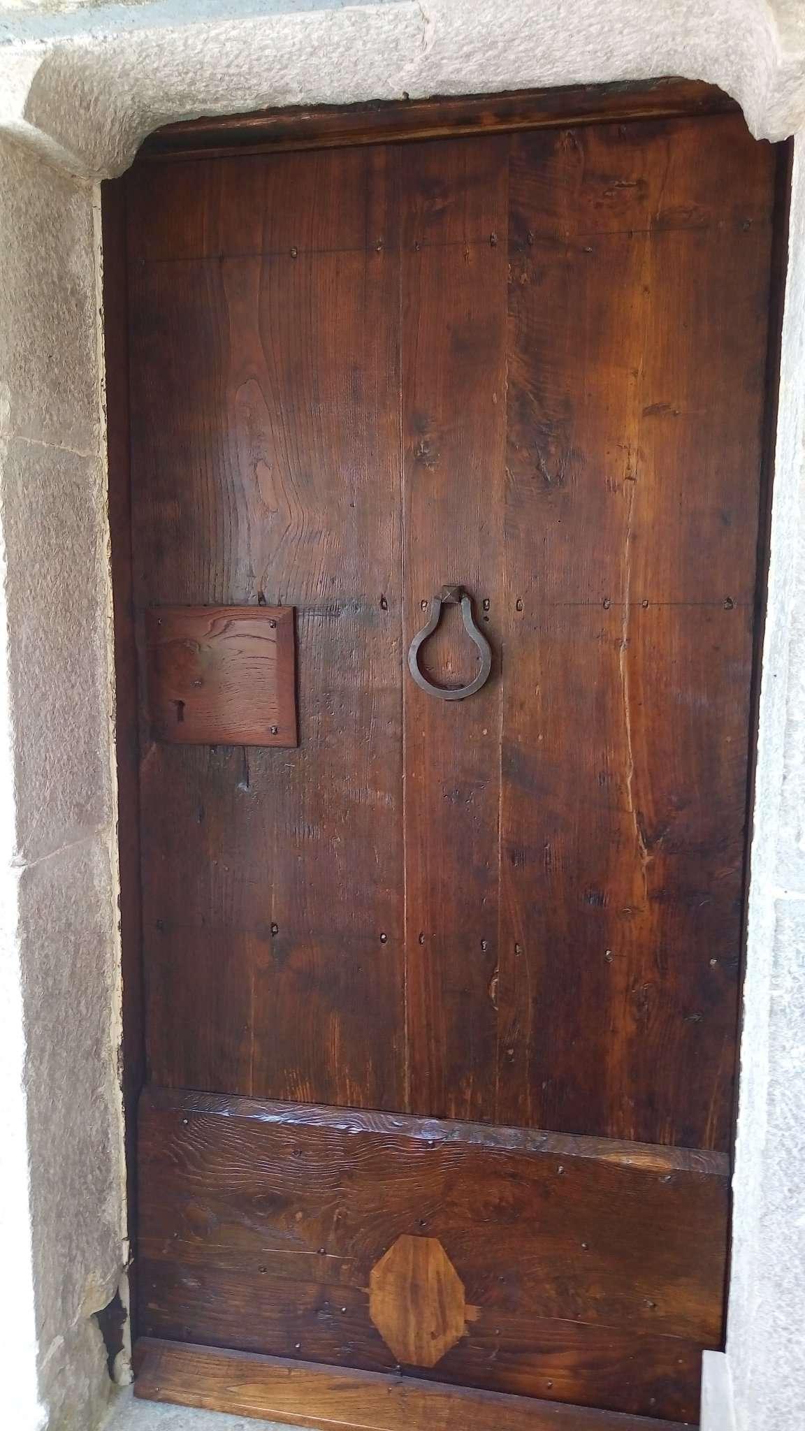 Restauraci n de puertas de madera de casta o antiguo xviii for Restauracion de puertas antiguas